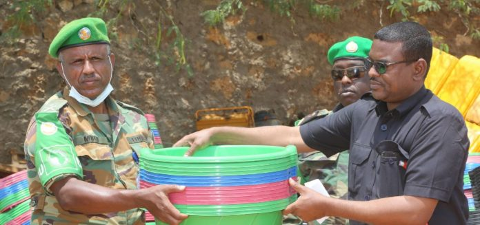 AMISOM donates non-food items to Internally Displaced Persons in Beletweyne
