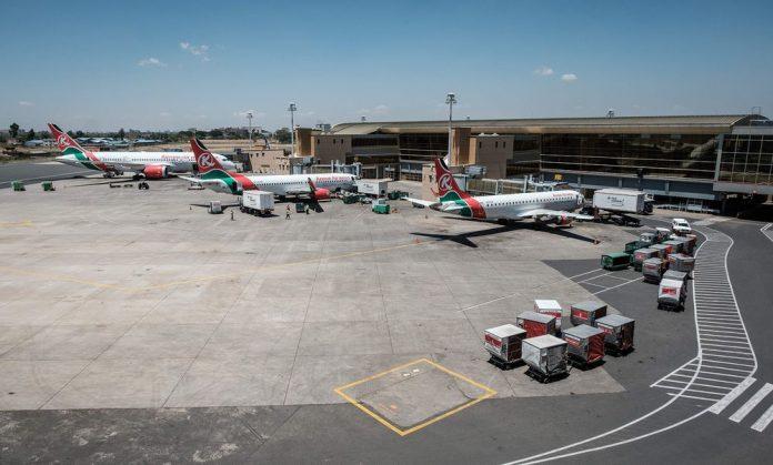 Kenya suspends Somalia flights for three months
