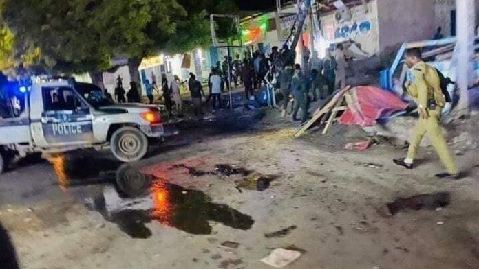 Suicide bombing by Somalia's al Shabaab group kills six